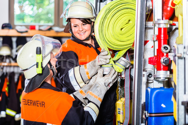 огня автомобиль женщины пожарная машина автомобилей грузовика Сток-фото © Kzenon