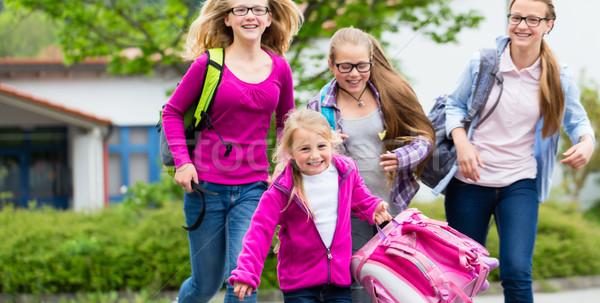 Iskolás diákok gyermek diák fut gyerek Stock fotó © Kzenon