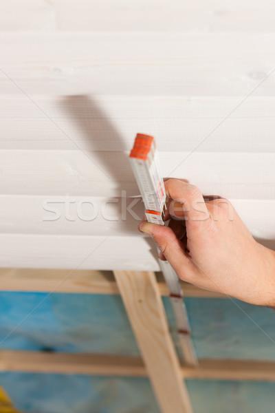 Secar governar homem trabalhando construção Foto stock © Kzenon