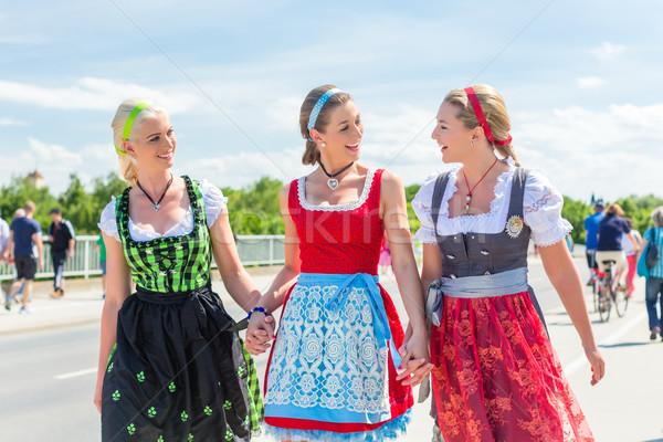 Arkadaşlar adil birlikte kostüm mutlu Stok fotoğraf © Kzenon
