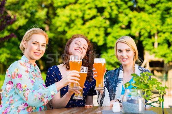друзей пива саду Паб любви Сток-фото © Kzenon