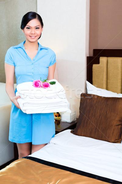 очистки азиатских номер в отеле отель рабочих китайский Сток-фото © Kzenon