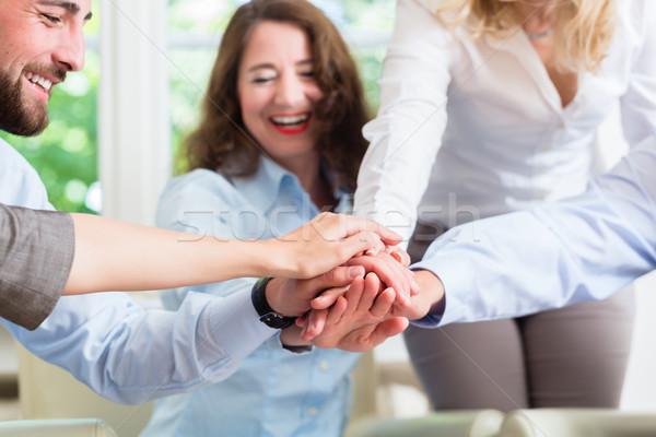 Equipo de negocios motivación mejor trabajo negocios mujer Foto stock © Kzenon