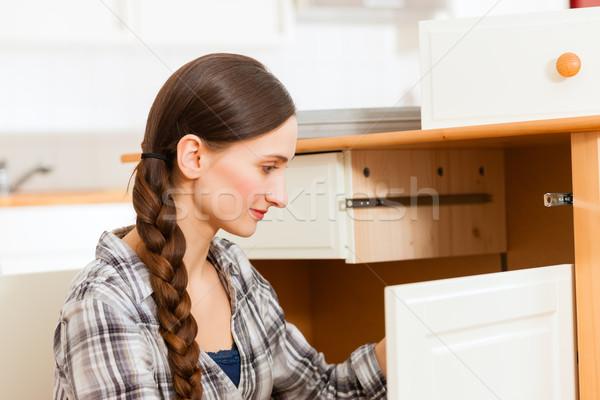 Сток-фото: шкаф · женщину · работу · рабочих · мебель