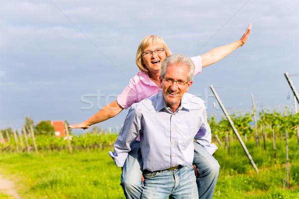 Starszy człowiek kobieta spaceru strony starszy para Zdjęcia stock © Kzenon