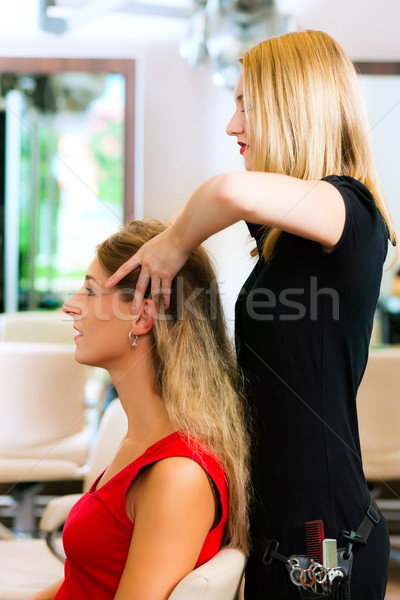 женщину парикмахер голову массаж салона женщины Сток-фото © Kzenon