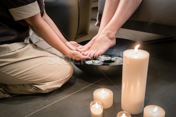 Eller Asya terapist ayak yıkama tedavi Stok fotoğraf © Kzenon