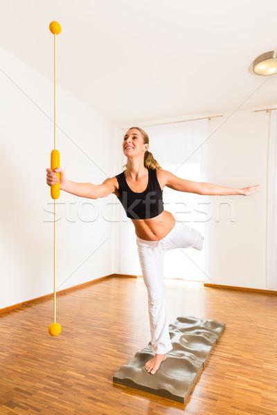 Paziente fisioterapia donna medici fitness Foto d'archivio © Kzenon