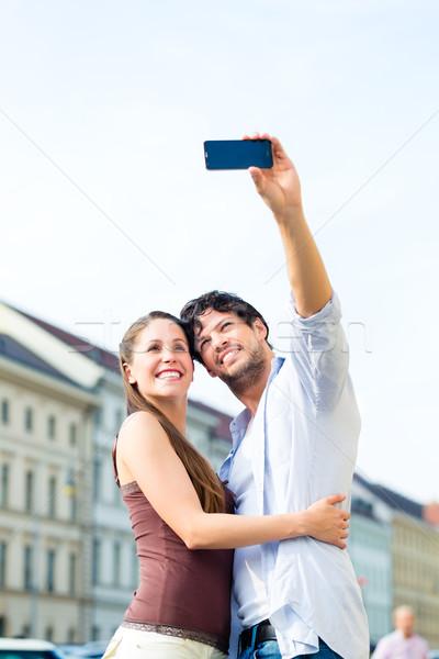 Jovem turistas Munique centro da cidade homem mulher Foto stock © Kzenon