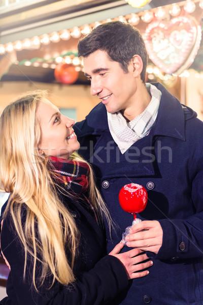 Foto stock: Pareja · dulce · manzana · Navidad · mercado · hombre