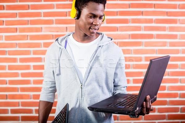 Ordenador programador portátil estudiante educación Foto stock © Kzenon