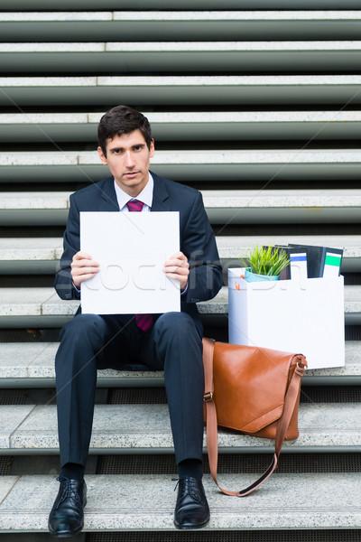 Preocupado desempregado empresário sessão vôo concreto Foto stock © Kzenon