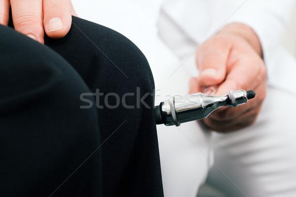 Médico teste médico feminino paciente pequeno Foto stock © Kzenon