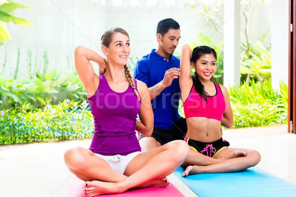 женщины Личный тренер фитнес осуществлять люди смешанный Сток-фото © Kzenon