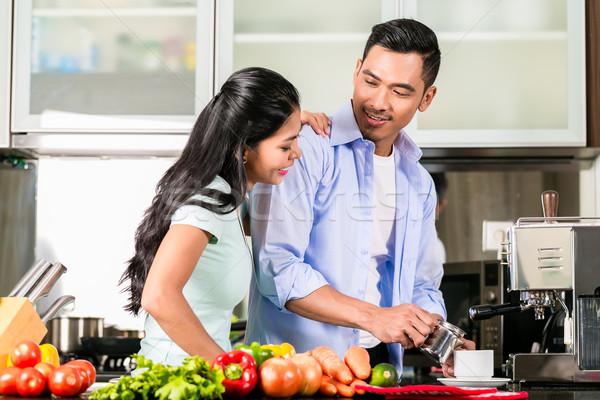 ázsiai pár főzés étel együtt konyha Stock fotó © Kzenon