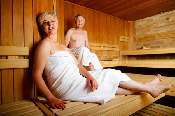 Голые тётки в бане видео 5-бальной