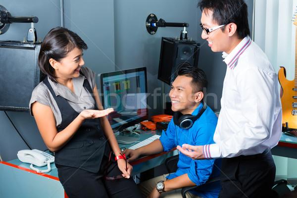 ázsiai emberek zenei stúdió zenész gyártó keverő Stock fotó © Kzenon