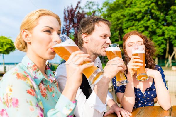 друзей пива саду ресторан любви Сток-фото © Kzenon