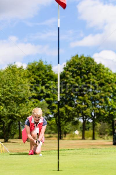 Senior jogador de golfe buraco mulher golfe esportes Foto stock © Kzenon