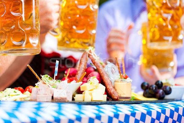 Piwa ogród restauracji przekąski Niemcy serwowane Zdjęcia stock © Kzenon