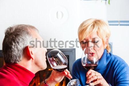 Stock fotó: Idős · pár · iszik · vörösbor · érett · pár · szórakozás