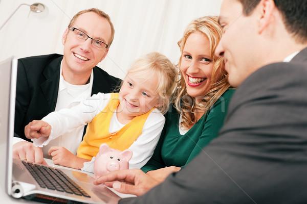 Familie Berater Finanzierung Versicherung Vermögenswerte Geld Stock foto © Kzenon