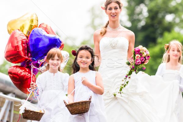 Esküvő menyasszony talár koszorúslány virág gyerekek Stock fotó © Kzenon