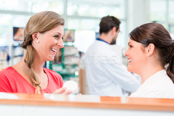 Client Shopping pharmacie drogue magasin ventes Photo stock © Kzenon