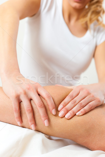 Patienten Physiotherapie Massage Frau Mann Sport Stock foto © Kzenon