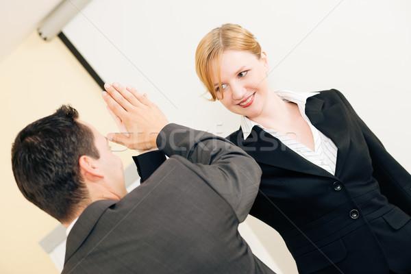 Máximo de cinco éxito negocios dos personas otro exitoso Foto stock © Kzenon