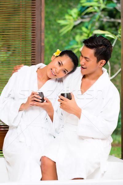 Indonéz ázsiai pár iszik tea wellness Stock fotó © Kzenon
