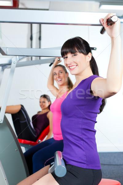 Mensen sterkte sport opleiding gymnasium vlinder Stockfoto © Kzenon