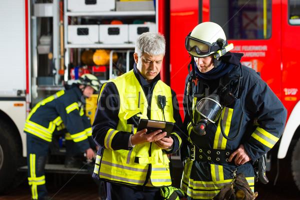 Foto stock: Fuego · planificación · líder · instrucciones · utilizado