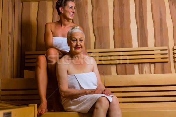 Kıdemli genç kadın sauna terleme ısı kadın Stok fotoğraf © Kzenon