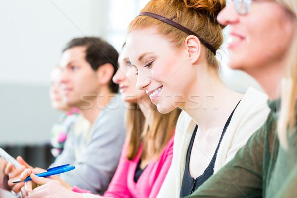 Öğrenciler kolej öğrenme ders notlar Stok fotoğraf © Kzenon