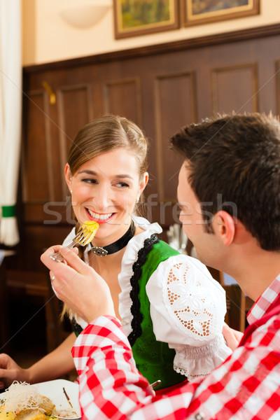 Stock foto: Menschen · traditionellen · Essen · Restaurant · Veröffentlichung · Jugendlichen