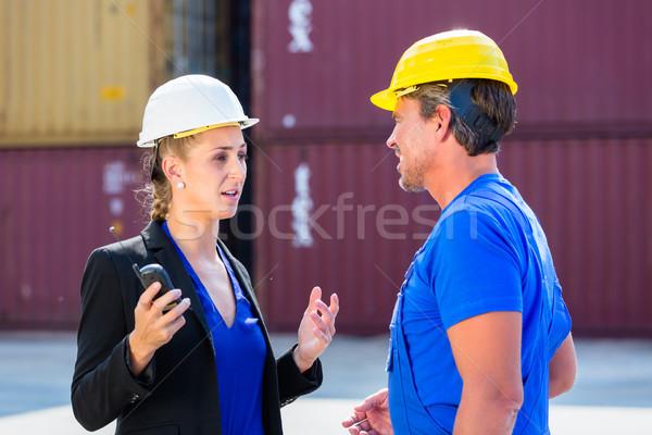 работник менеджера контейнера порта женщину Сток-фото © Kzenon