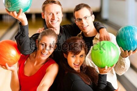 Aile bowling çocuklar adam sağlık Stok fotoğraf © Kzenon