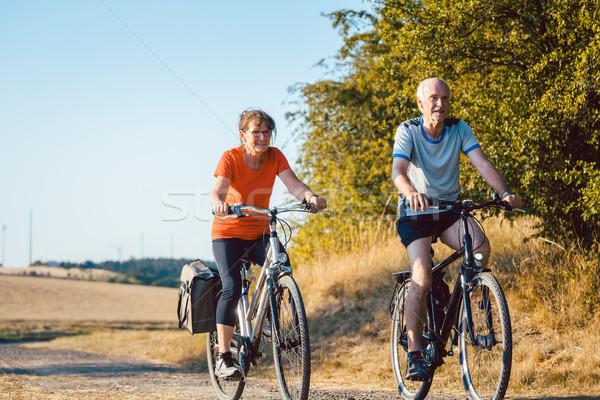 Reiten Fahrräder besser Fitness Gesundheit Stock foto © Kzenon
