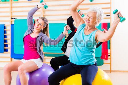 Fitness zumba dans opleiding gymnasium jongeren Stockfoto © Kzenon