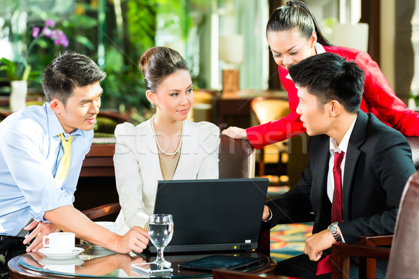 Stockfoto: Asian · zakenlieden · vergadering · hotel · lobby · vier