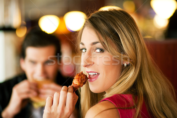 çift restoran yeme fast-food lokanta hamburger Stok fotoğraf © Kzenon