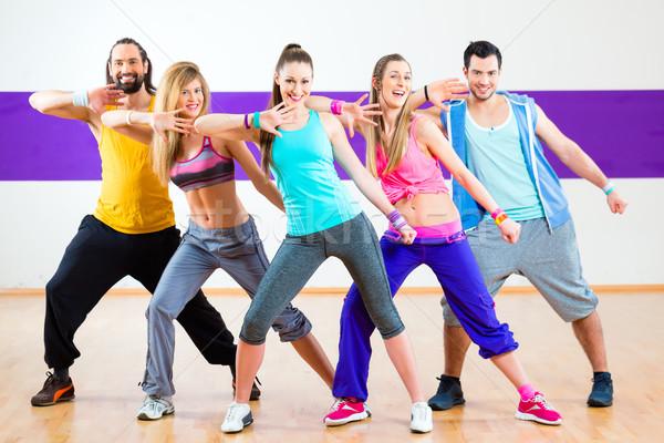 Danser zumba fitness opleiding dans studio Stockfoto © Kzenon