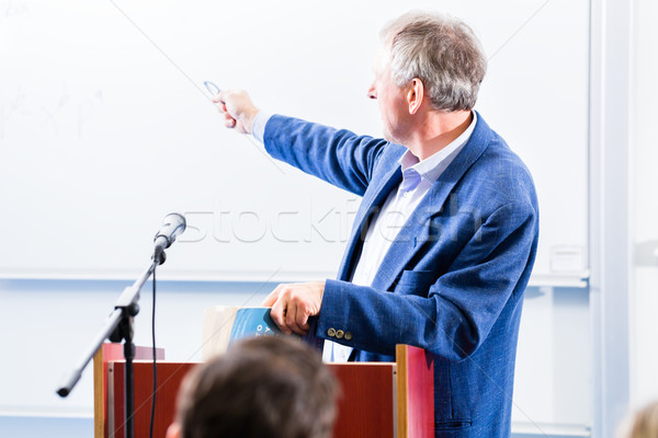 колледжей профессор лекция студентов Постоянный столе Сток-фото © Kzenon