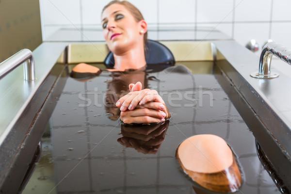 Foto stock: Senior · mulher · lama · banho · alternativa