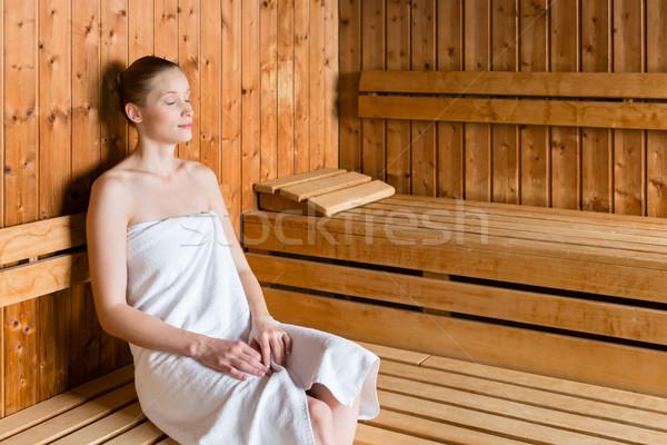 Vrouw wellness spa genieten sauna jonge vrouw Stockfoto © Kzenon