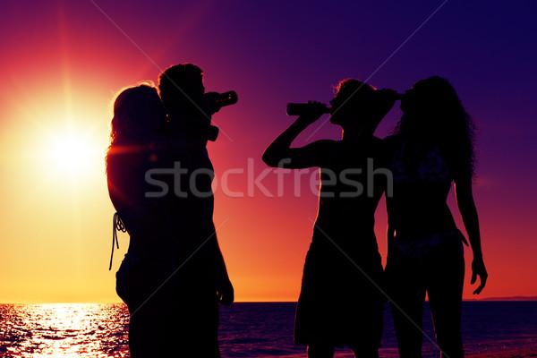 Foto stock: Pessoas · festa · praia · bebidas · dois · casais