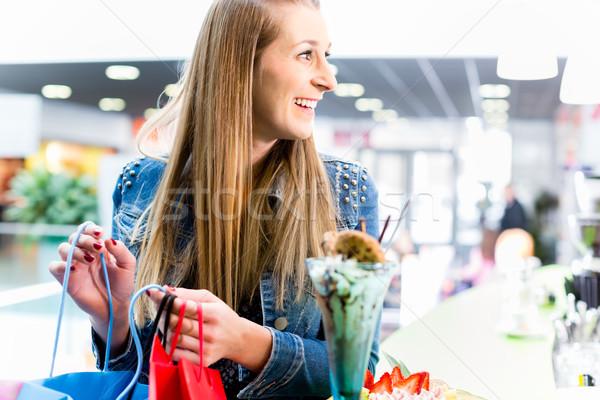 Vrouw naar boodschappentas mall winkel store Stockfoto © Kzenon