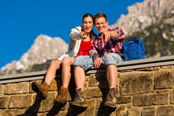 Stock fotó: Boldog · pár · kirándulás · hegyek · elvesz · törik