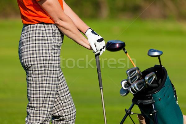 Donna matura sacca da golf giocare golf torso campo da golf Foto d'archivio © Kzenon